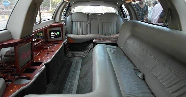 Novato 6 Passenger Stretch Limousine Interior